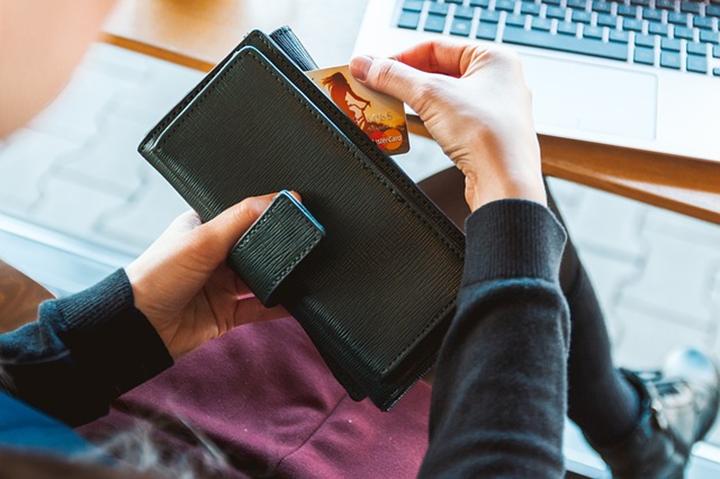 グアムはクレジットカードが便利